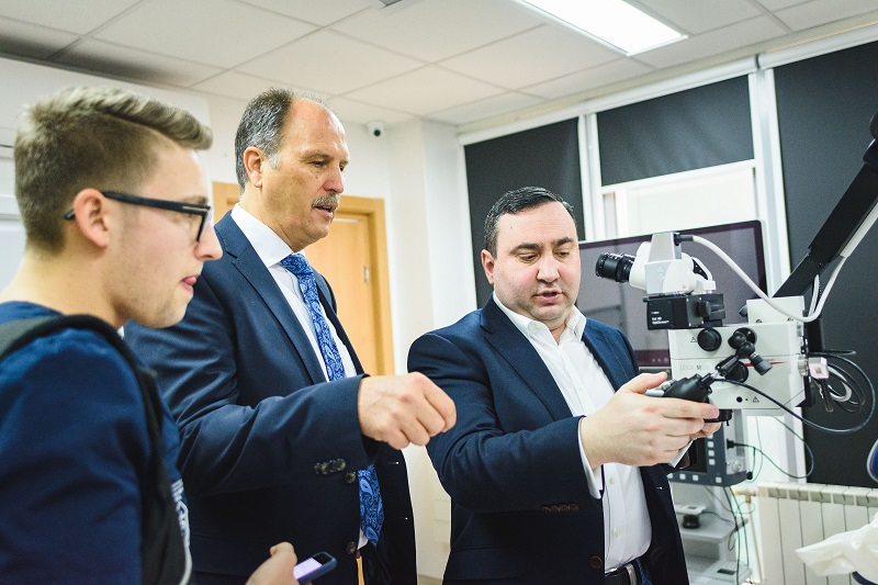 Leading Experts from Varna and Aachen Are Going to Conduct a Joint Study on Lasers in Periodontology